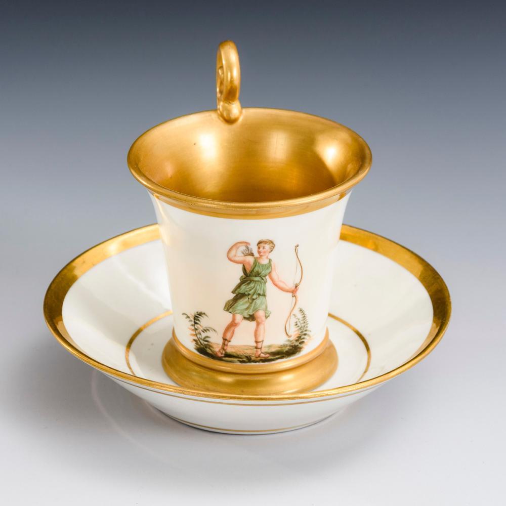 Tasse mit Figurenmalerei. Nymphenburg.