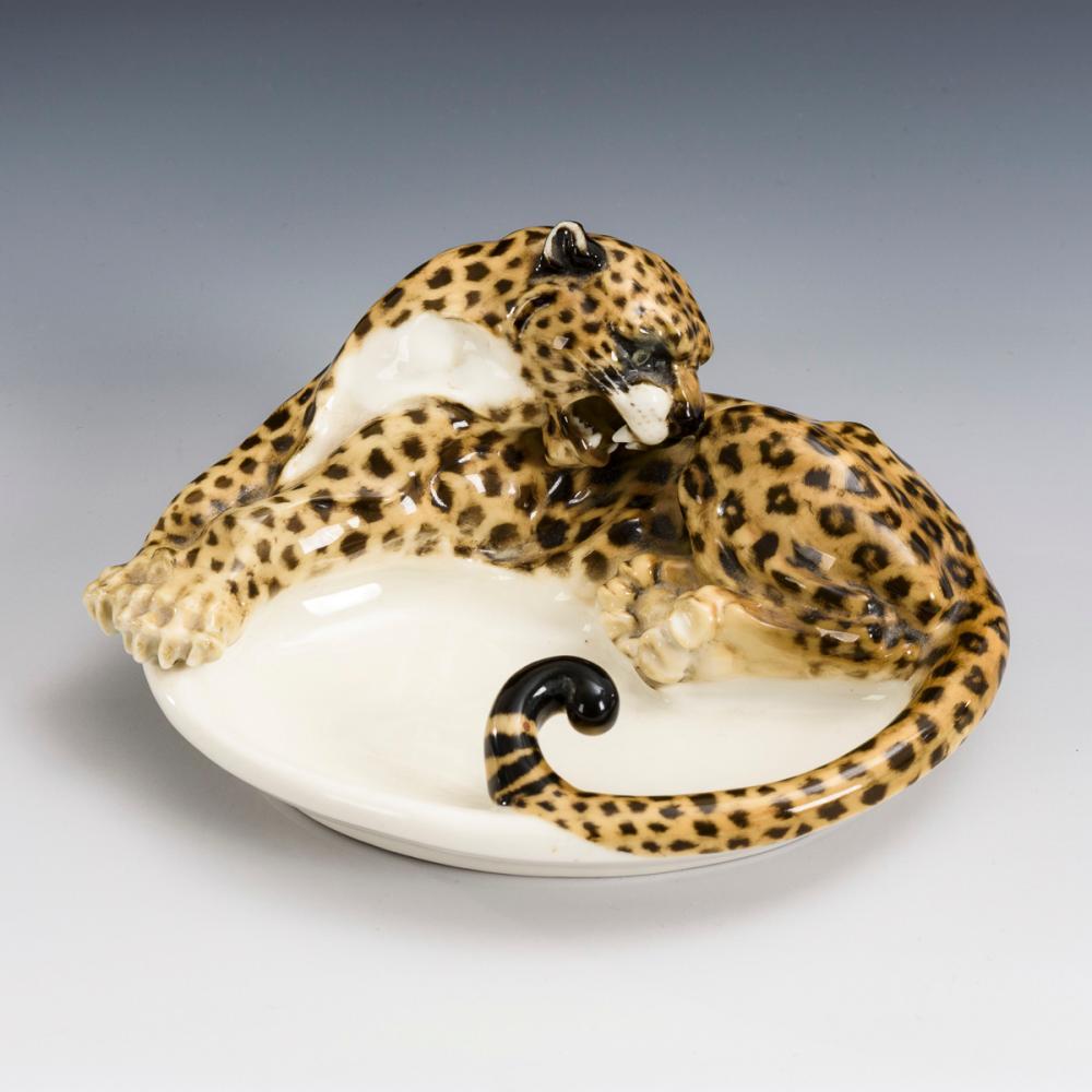 Jaguar an Schale. Hutschenreuther.