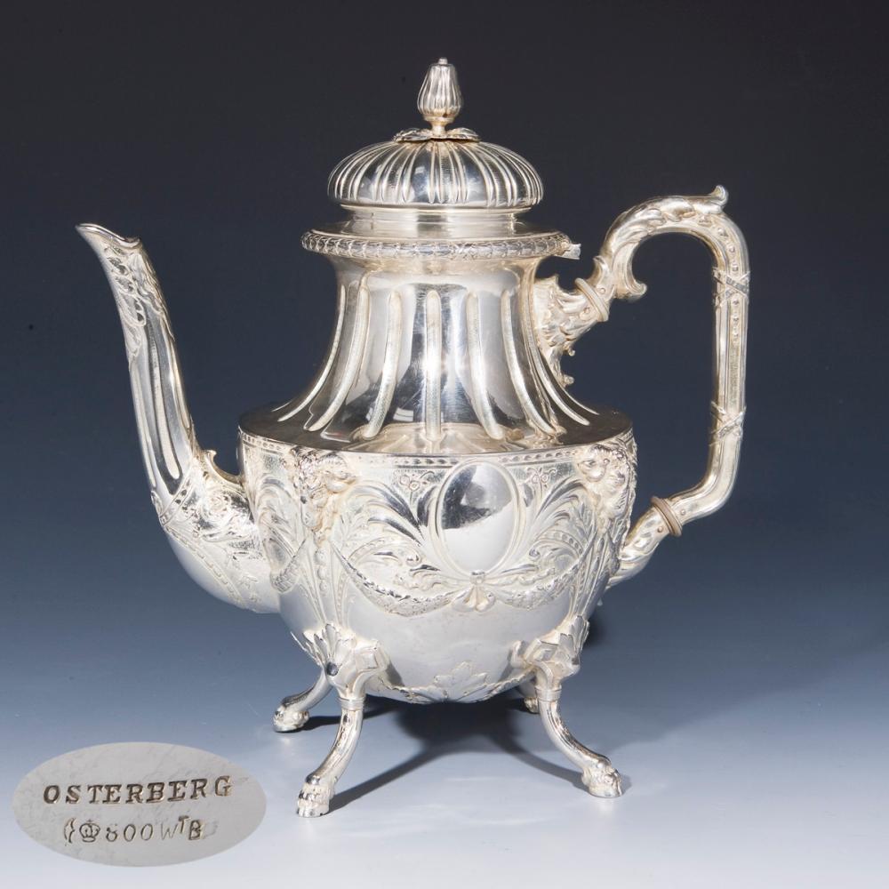 Silberne Teekanne in klassizistischem Stil. Wilhelm Binder, Schwäbisch Gmünd für Carl Osterberg, Ho
