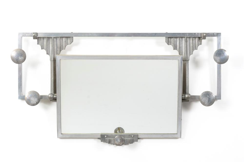 Art-déco-Wandgarderobe mit Spiegel.