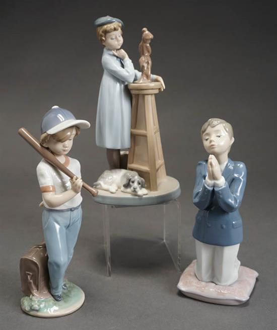 Three Lladró Figures of 'Little Sculptor', 'Communion Prayer Boy' and 'Can I Play?' Post 1950