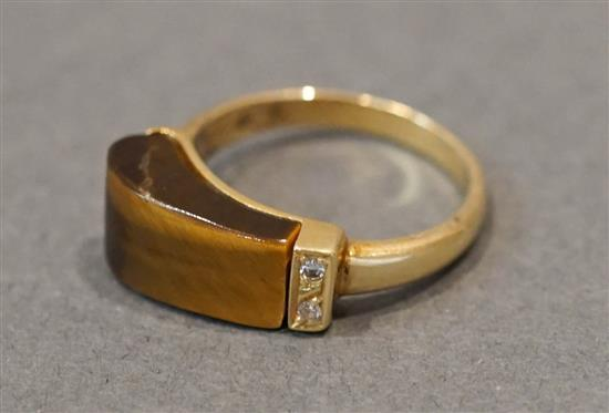 H. Stern 18 Karat Yellow Gold, Carved Tiger's Eye and Diamond Ring, 2.6 dwt., Size: 5-1/2