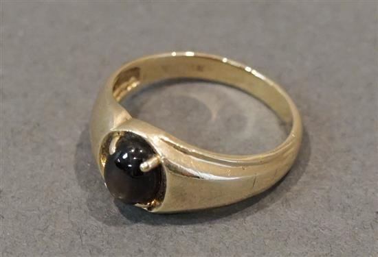 14 Karat Yellow Gold Black Star Sapphire Ring, 2.9 gross dwt., Size: 8-3/4
