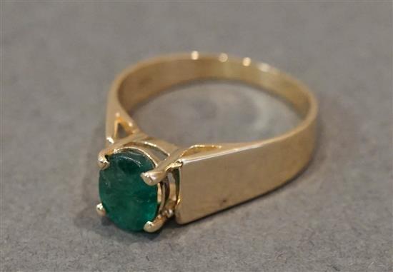 14 Karat Yellow Gold Emerald Ring, 2.3 gross dwt.