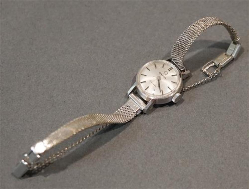 Ladies Omega 18 Karat White Gold Case Manual Wind Wristwatch