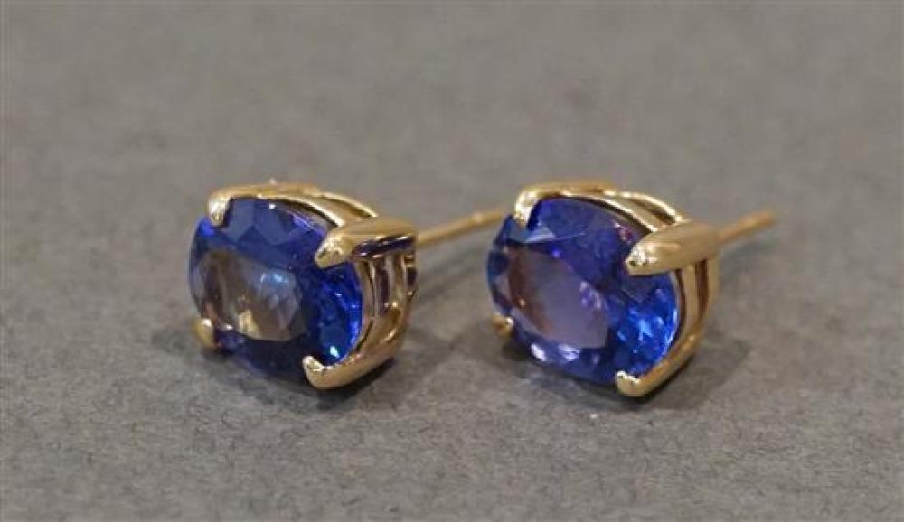 Pair 14 Karat Yellow Gold Tanzanite Pierced Earrings