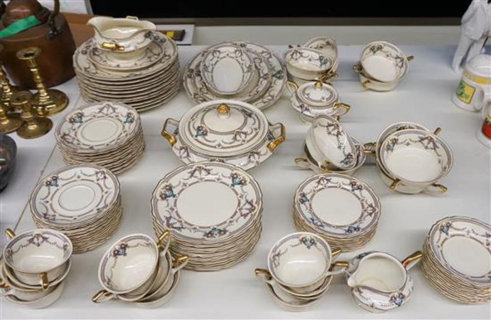 Bavarian Continental Ivory Ninety-Two Piece Dinner Service