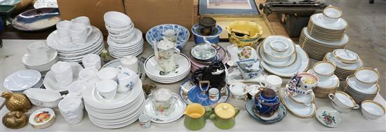 Group of Noritake Goldwyn Pattern Porcelain Dinner Service and other European and Asian Table Porcelain Articles