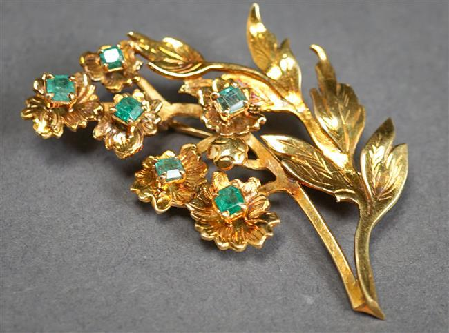 18-Karat Yellow-Gold and Emerald Floral Form Brooch, 5.3 gross dwt, L: 1-7/8 in