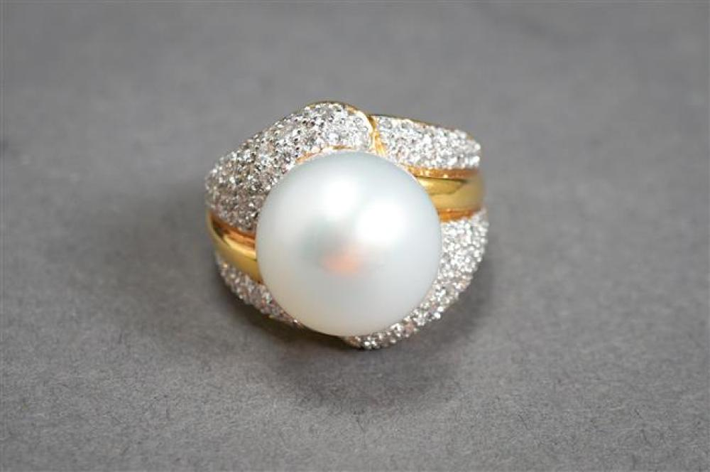 18-Karat Yellow-Gold, South Sea Pearl and Diamond Ring, Pearl approx 13.8 mm, 8.9 gross dwt, Size: 6-3/4