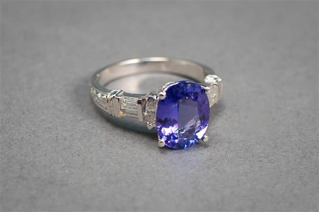 14-Karat White-Gold, Tanzanite and Diamond Ring, Tanzanite approx 2