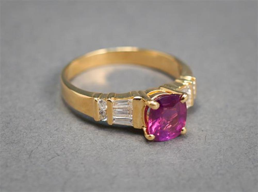 14-Karat Yellow-Gold, Purple Sapphire and Diamond Ring, Sapphire approx 1.10 ct, Size: 6-3/4, 2.5 gross dwt