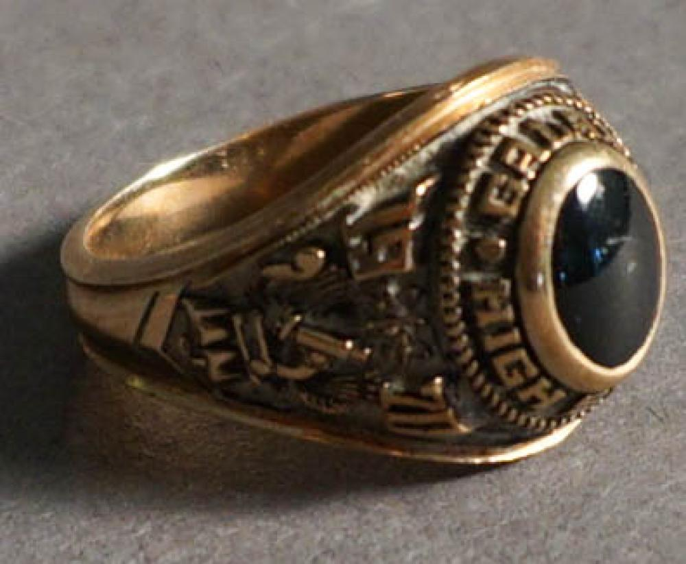10-Karat Yellow-Gold School Ring