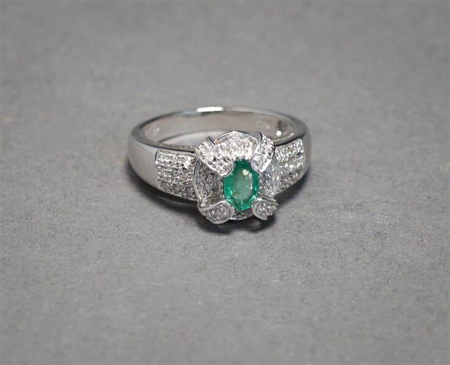 14-Karat White-Gold, Emerald and Diamond Ring, 3.2 gross dwt, Size: 7