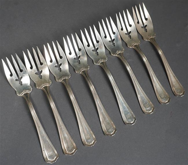 Eight Reed & Barton Hepplewhite Sterling Silver Salad Forks, L: 6 inches, 8.8 oz