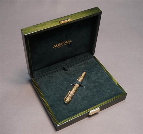 Aurora Benvenuto Cellini Hong Kong 1997 18-Karat Yellow-Gold Fountain Pen