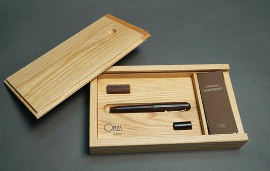 Omas 'Legni Pregiati' Exotic Wood Fountain Pen