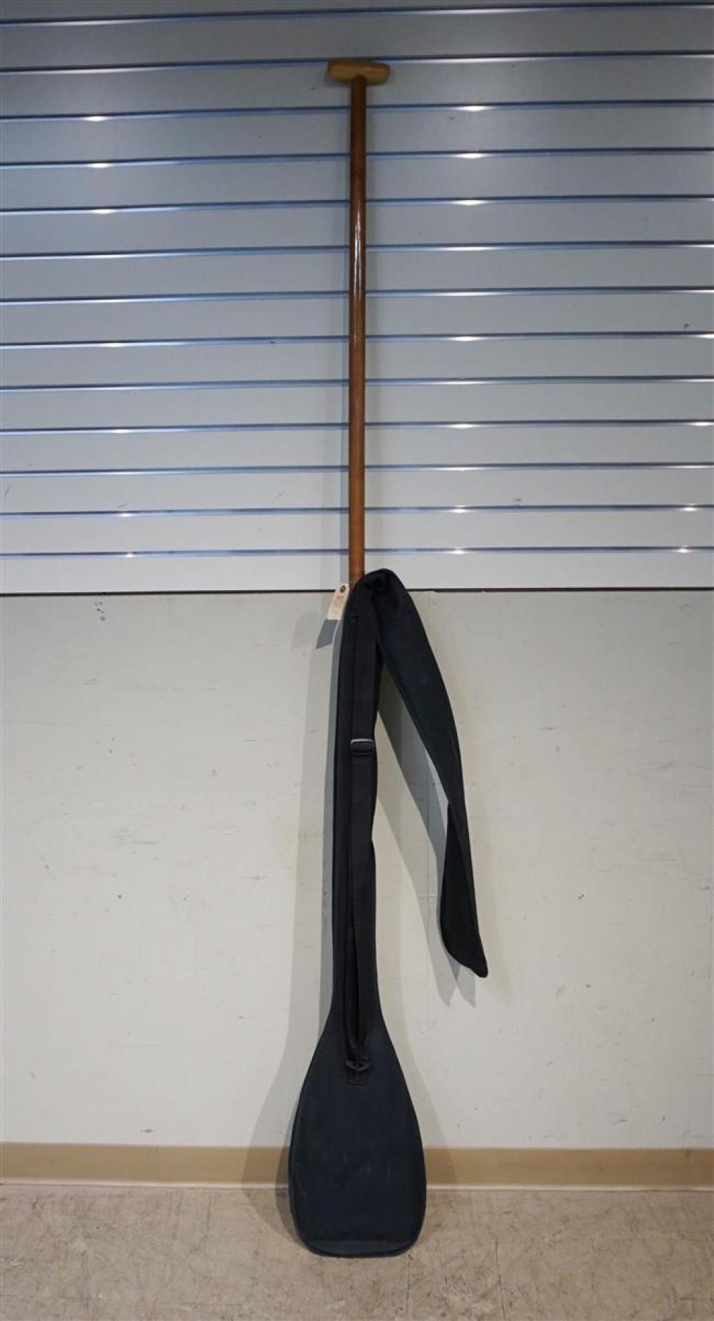Fruitwood Paddle with Black Vinyl Case