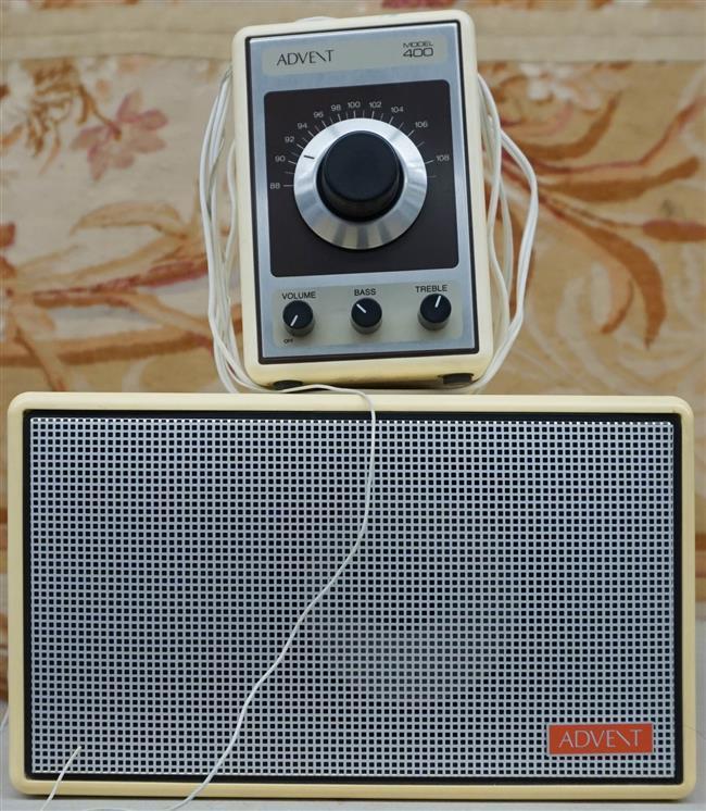 Advent Model 400 FM Radio with Speaker