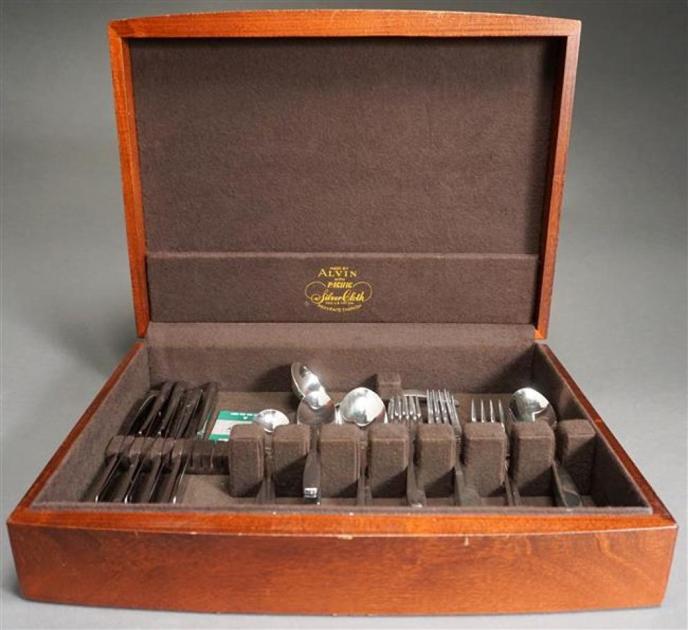 Wallace Stainless Steel Flat Table Service in Case