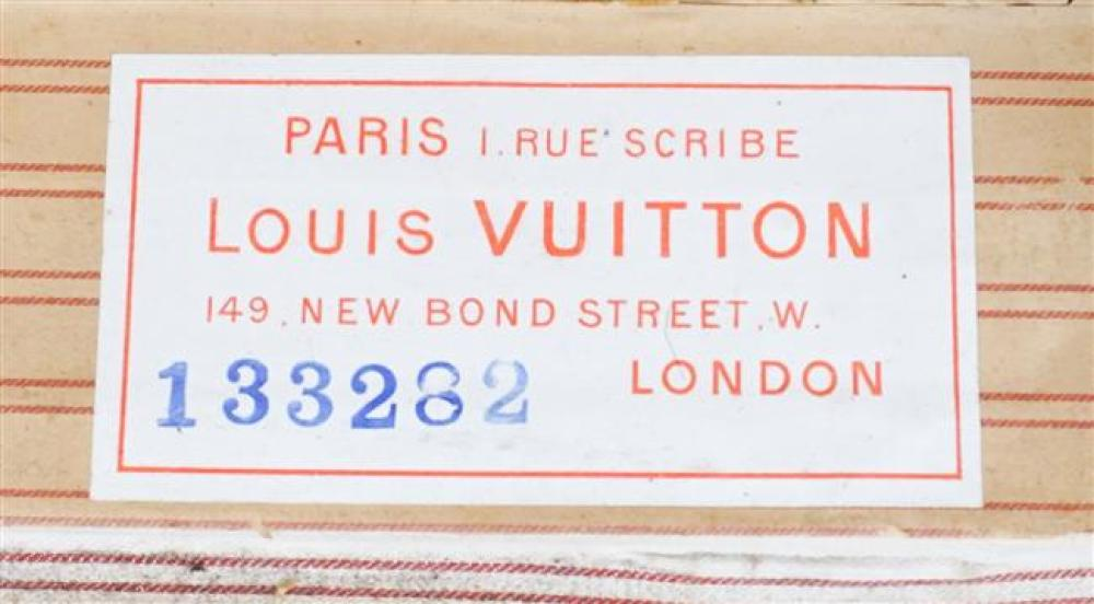 "Louis Vuitton Damier Hat Steamer Trunk Circa 1900; 20.5 x 24 x 17 HWD"""