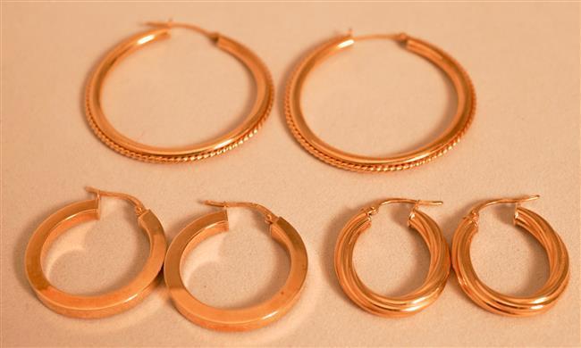 Three Pairs 18 Karat Yellow Gold Hoop Pierced Earrings, 5.4 dwt.