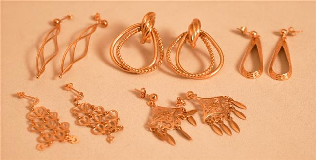 Five Pairs 14 Karat Yellow Gold Pierced Earrings, 6.5 dwt.
