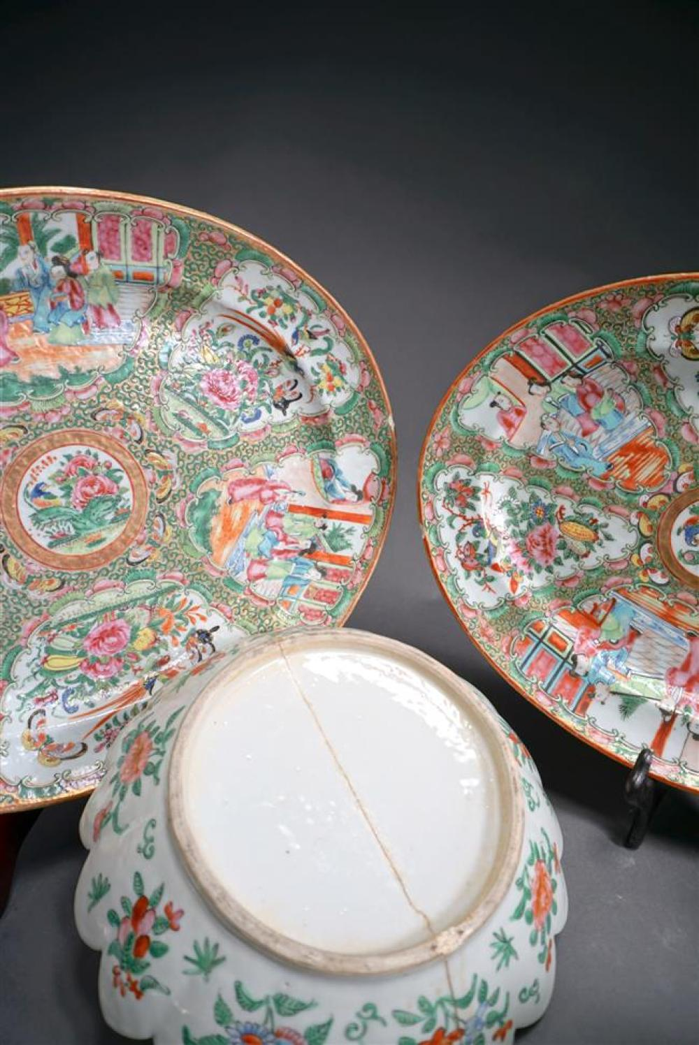 Collection of Nineteen Chinese Rose Medallion Articles