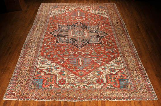 Heriz Rug Second Quarter 20th Century 18 ft 8 in x 11 ft 6 in (569 x 351 cm)