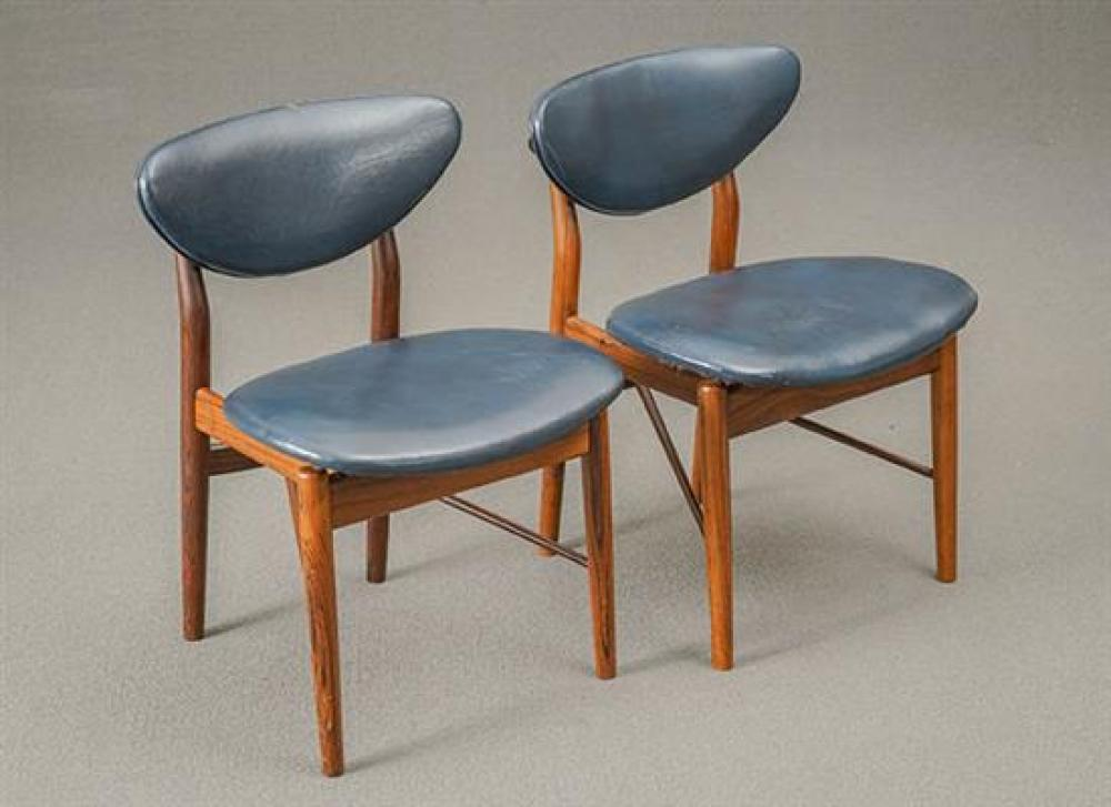Twelve Finn Juhl Rosewood and Navy Blue Leather Dining Chairs Model 108, Manufactured for Illums Bolighus, Circa 1946