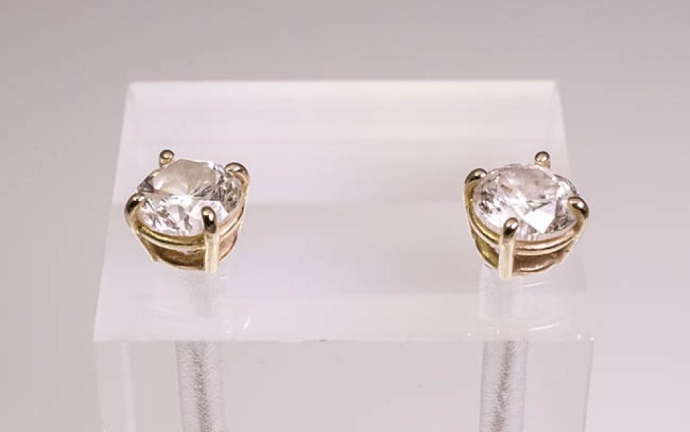 Pair of 14-Karat Yellow-Gold and Diamond Stud Earrings