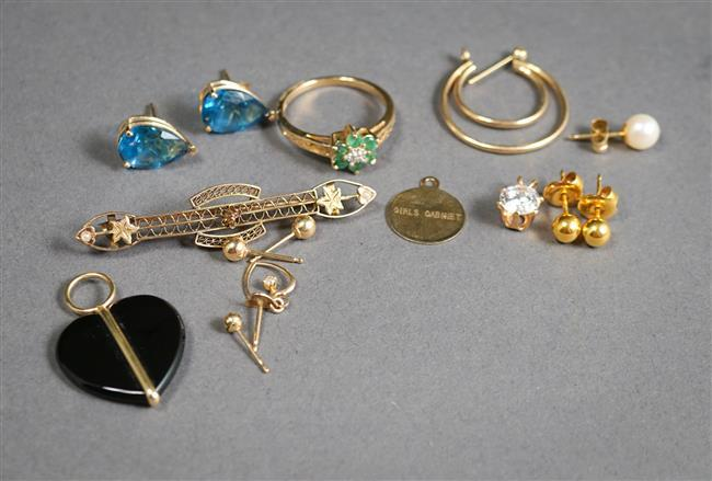 Collection with Gold and Gold Mounted Jewelry, 8.5 gross dwt