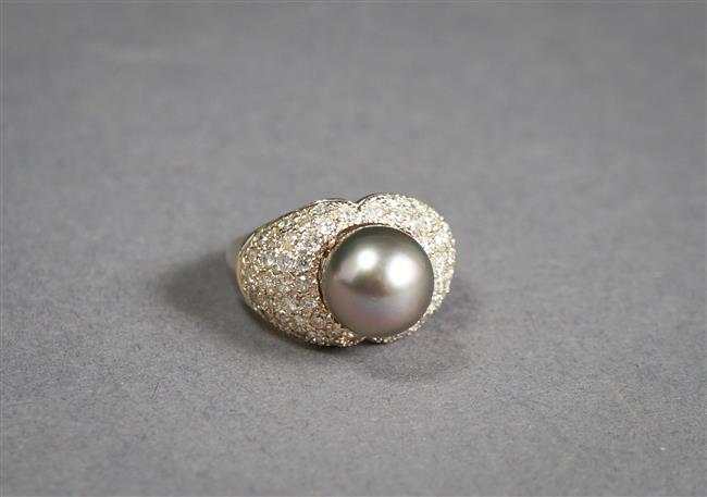 14-Karat Yellow-Gold Tahitian Pearl and Diamond Ring, 7.2 gross, 10.8 mm, Size: 7-1/4