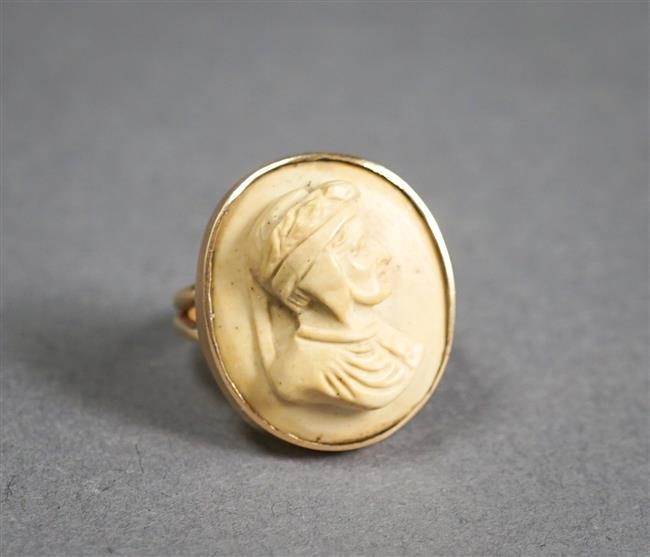 14-Karat Yellow-Gold and Carved Lava Cameo Ring, 3.8 gross dwt, Size: 5-3/4