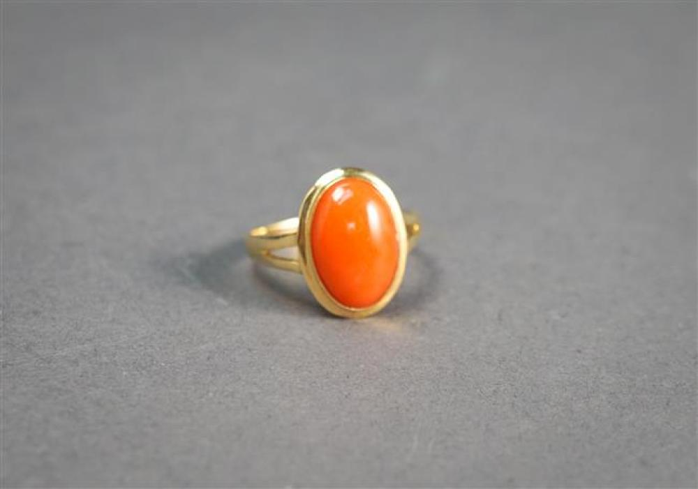 14-Karat Yellow-Gold and Coral Ring, 1.5 gross dwt, Size: 7