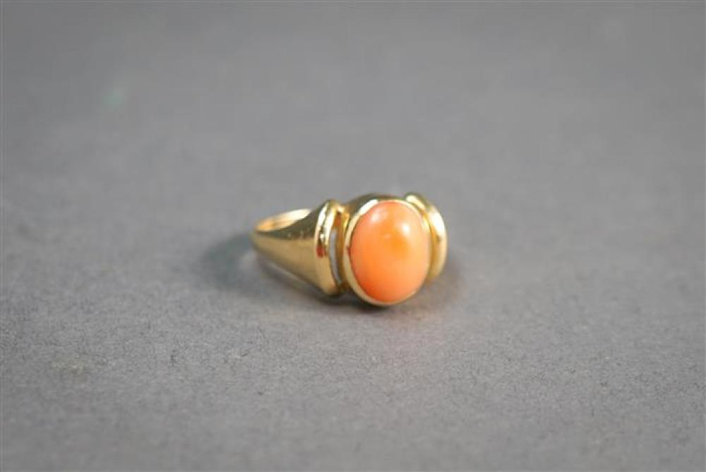 14-Karat Yellow-Gold and Coral Ring, 2.4 gross dwt, Size: 7