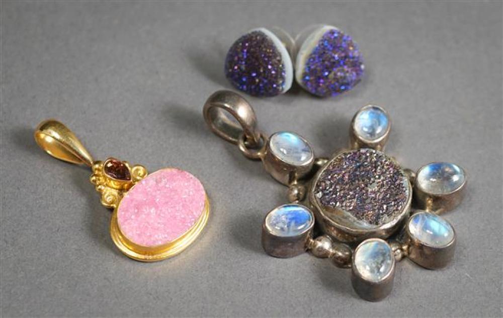 Sajen 18-Karat Yellow-Gold Druzy Quartz and Tourmaline Pendant (5.1 gross dwt), and a Pair of Druzy Quartz Pierced Earrings and Pendant