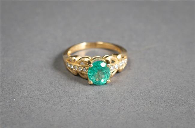 14-Karat Yellow-Gold, Emerald and Diamond Ring (emerald approx 1.45 carat), Size: 6-1/2; 2.5 gross dwt
