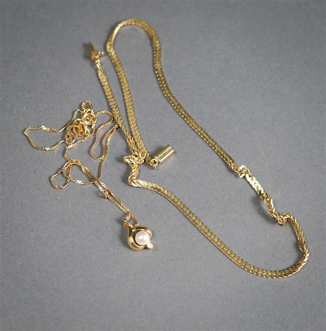 Italian 14-Karat Yellow-Gold Necklace (as is), 7.1 dwt and 14-Karat Yellow-Gold Pendant Necklace (as is), 1.9 gross dwt