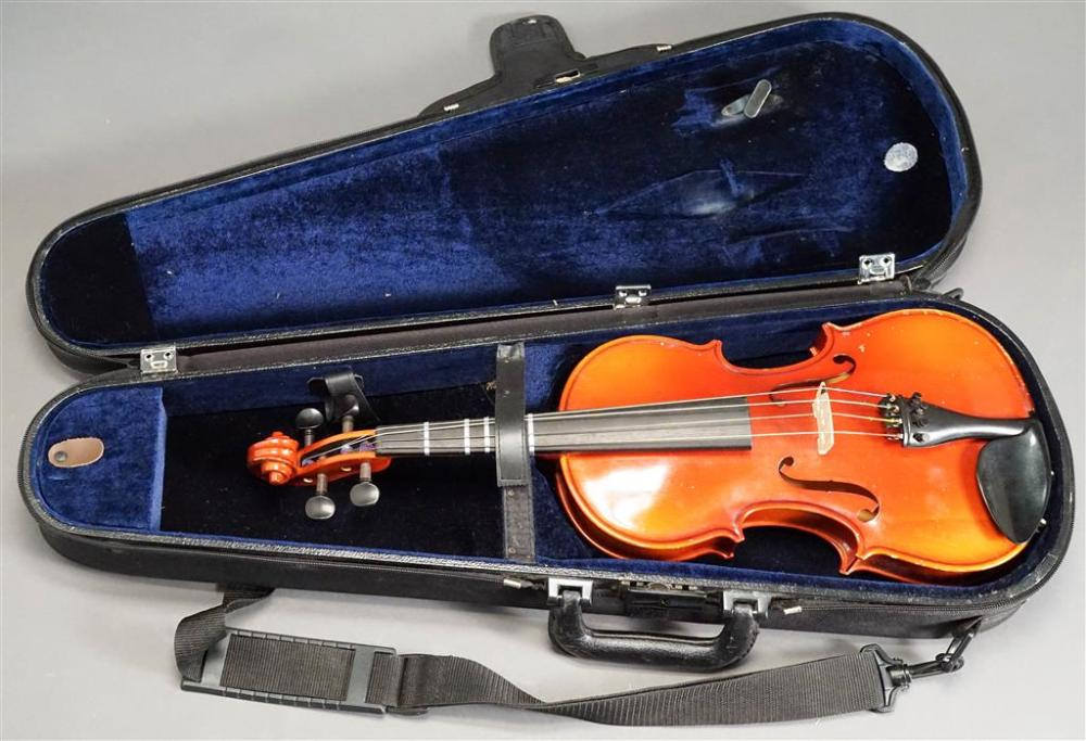 Otto Ernst Fischer OF155V 2004 13-Inch Varnished Maple Viola with Vinyl Covered Hardshell Travel Case (without bow)