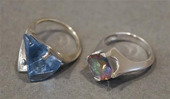 Two Contemporary 14 Karat White Gold Stone Mounted Rings, 7 gross dwt.