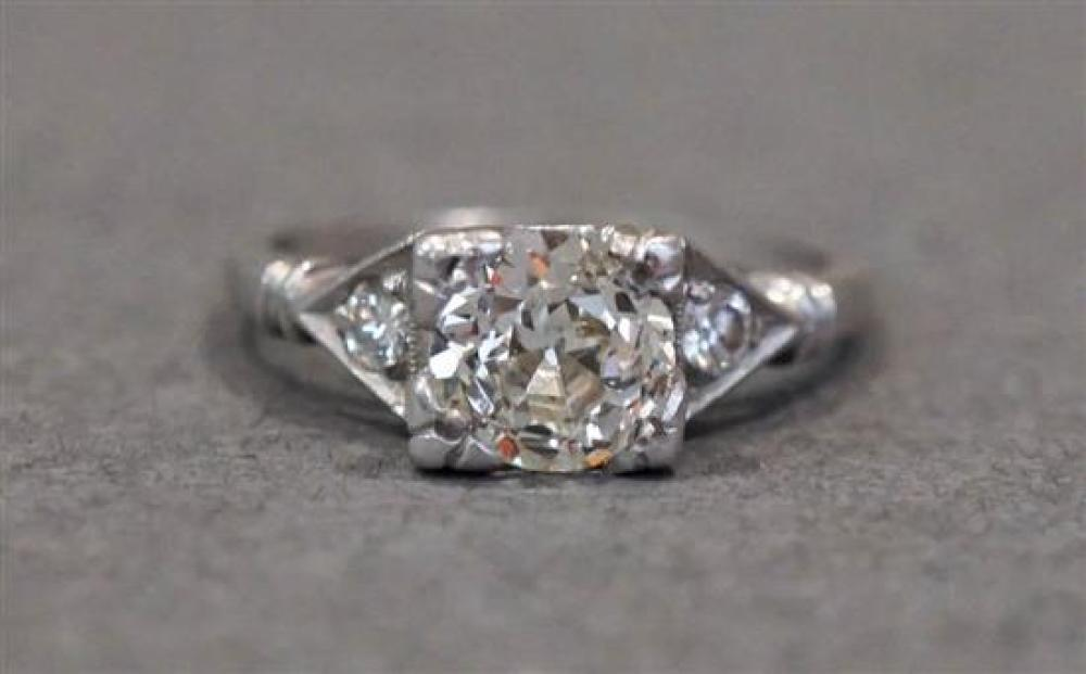 Platinum and Diamond Ring, center approx 1.05 ct, Size: 5