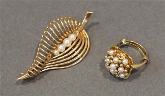 14 Karat Yellow Gold Pearl 'Leaf' Brooch and 14 Karat Yellow Gold Pearl Ring, 9.3 gross dwt.