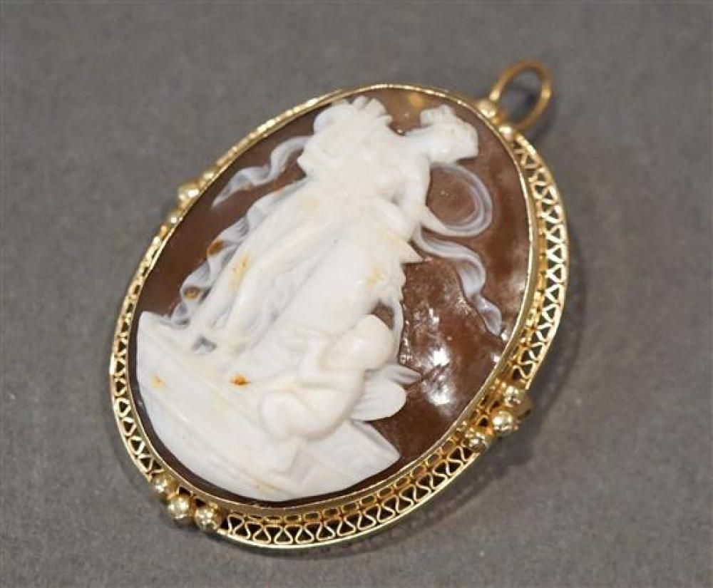 14 Karat Yellow Gold Shell Cameo Pendant Brooch, L: 1-3/4 inches