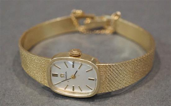 Ladies Omega 14 Karat Yellow Gold 17-Jewel Manual Wind Wristwatch, 15.6 gross dwt without movement