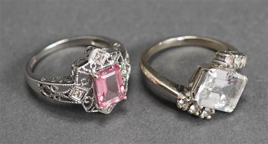 10-Karat White-Gold Ring and a 14-Karat White-Gold Ring, 4.9 gross dwt, Size: 7 and 6