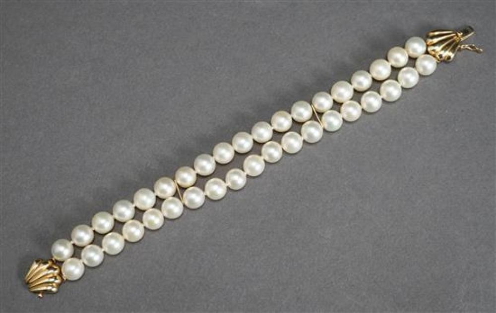 14 Karat Yellow Gold Cultured Pearl Double Strand Bracelet, approx. 6mm, L: 7-1/2 inches