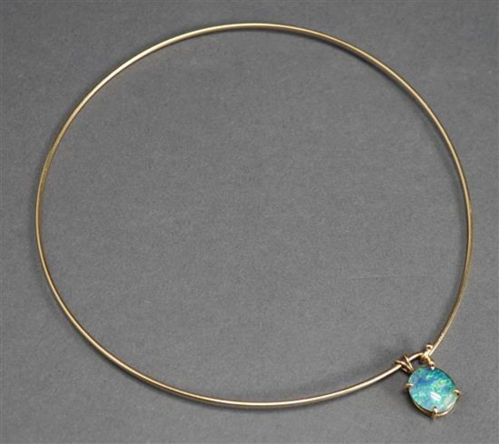 14 Karat Yellow Gold Wire Necklace (5.8 dwt) Attached with an Opal Triplet Pendant
