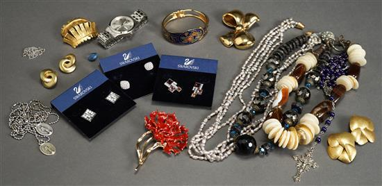 Collection with Costume Jewelry, including Oscar de la Renta Brooch and a Pair Christian Dior Earrings