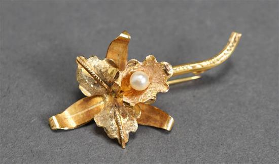 18 Karat Yellow Gold Pearl 'Orchid' Pin, 1.9 dwt.